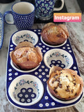 Muffin Pan in Daisy Dots pattern.