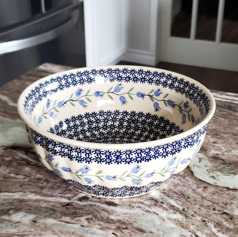 "9"" Salad Bowl in Trailing Lily pattern"