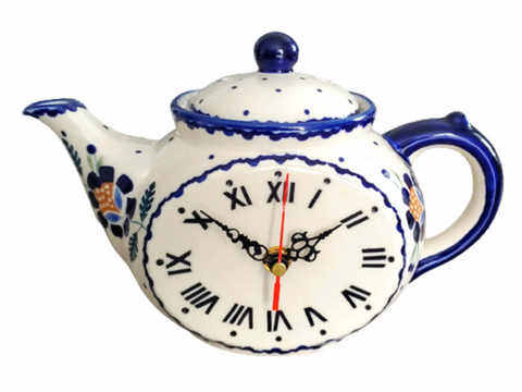 Teatime Clock in Blue Daisy pattern