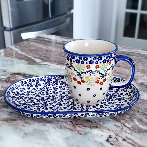 Breakfast Set in Tiny Daisies pattern