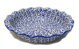Fluted pie dish in Traditional Bubbles pattern.
