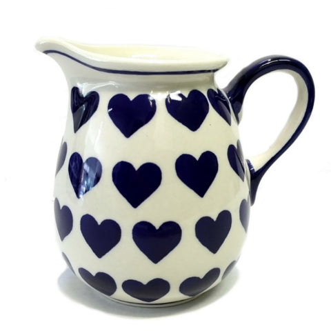 0.5 L Pitcher in Wrapped in Hearts pattern