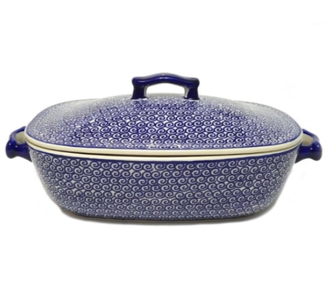 Covered casserole in Blue Swirl pattern.