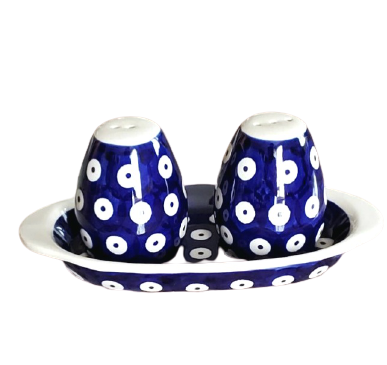 Salt and Pepper set in Polka Dot pattern