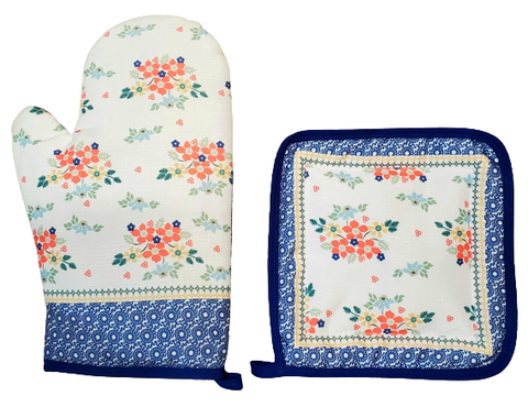 Oven mitt and pot holder in Summer Garden pattern