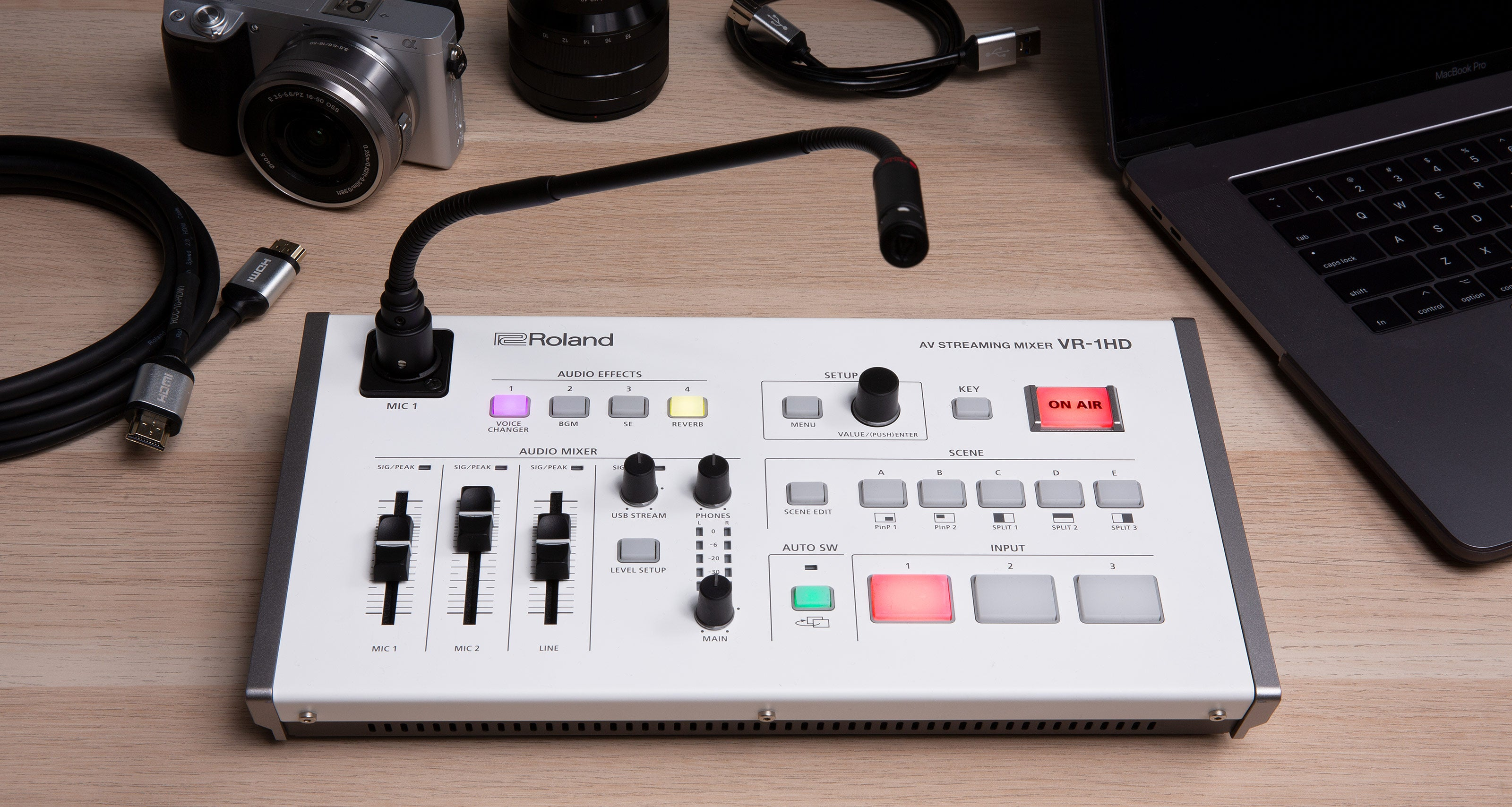 ROLAND'S VR-1HD AV STREAMING MIXER