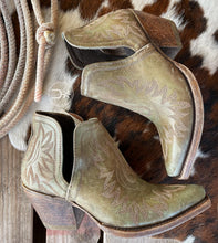 Load image into Gallery viewer, The Dixon Western Boot ~ Ariat Distressed Turquoise