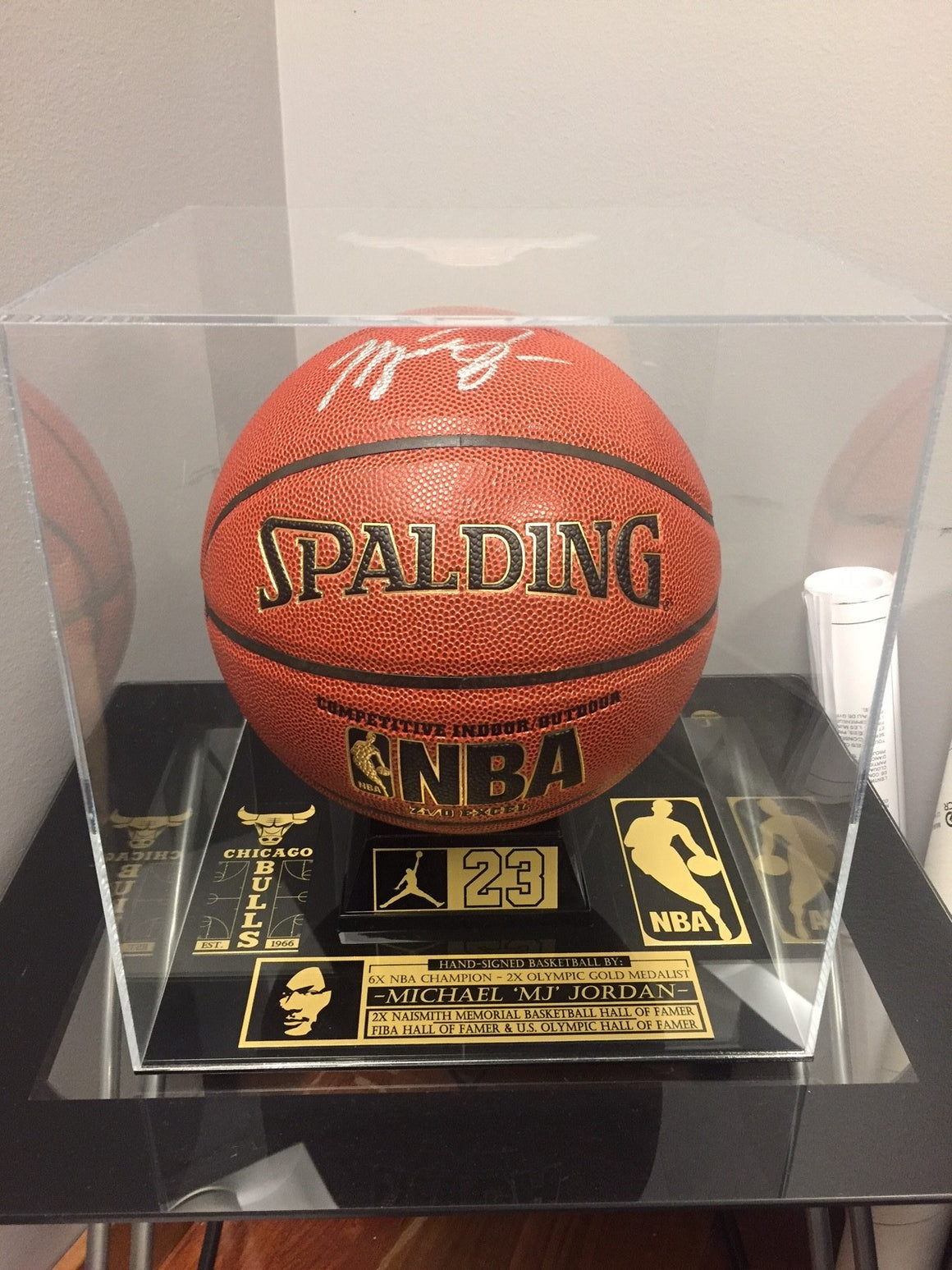 """BASKETBALL/SOCCER BALL CUSTOM MUSEUM PLEXIGLASS DISPLAY"""