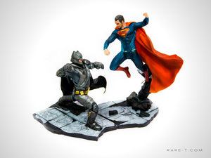 Collectible 'BATMAN VS SUPERMAN EPIC BATTLE' Statue | RARE-T