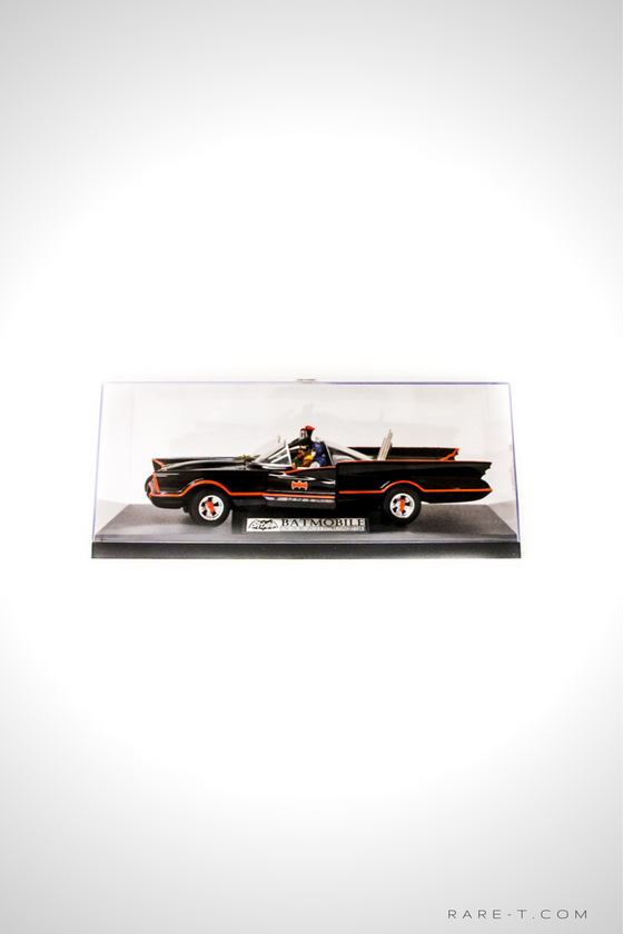 Exclusive Elite Edition 'BATMAN & ROBIN - BATMOBILE' Die-Cast Car Display Set