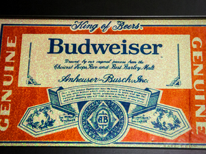 Vintage RED GLASS-REVERSE GLITTER 'GENUINE BUDWEISER-KING OF BEERS' Bar Mirror/Advertisement
