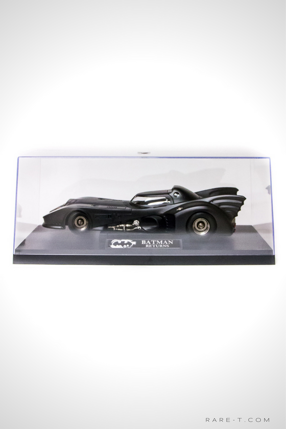 Exclusive Elite Edition 'BATMAN RETURNS - BATMOBILE' Die-Cast Car Display Set