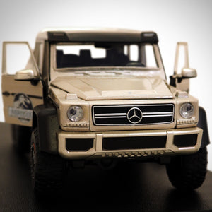 Jurassic World - Mercedes Benz G63 Amg 6X6  Exclusive Elite Edition Die-Cast Car Display Set
