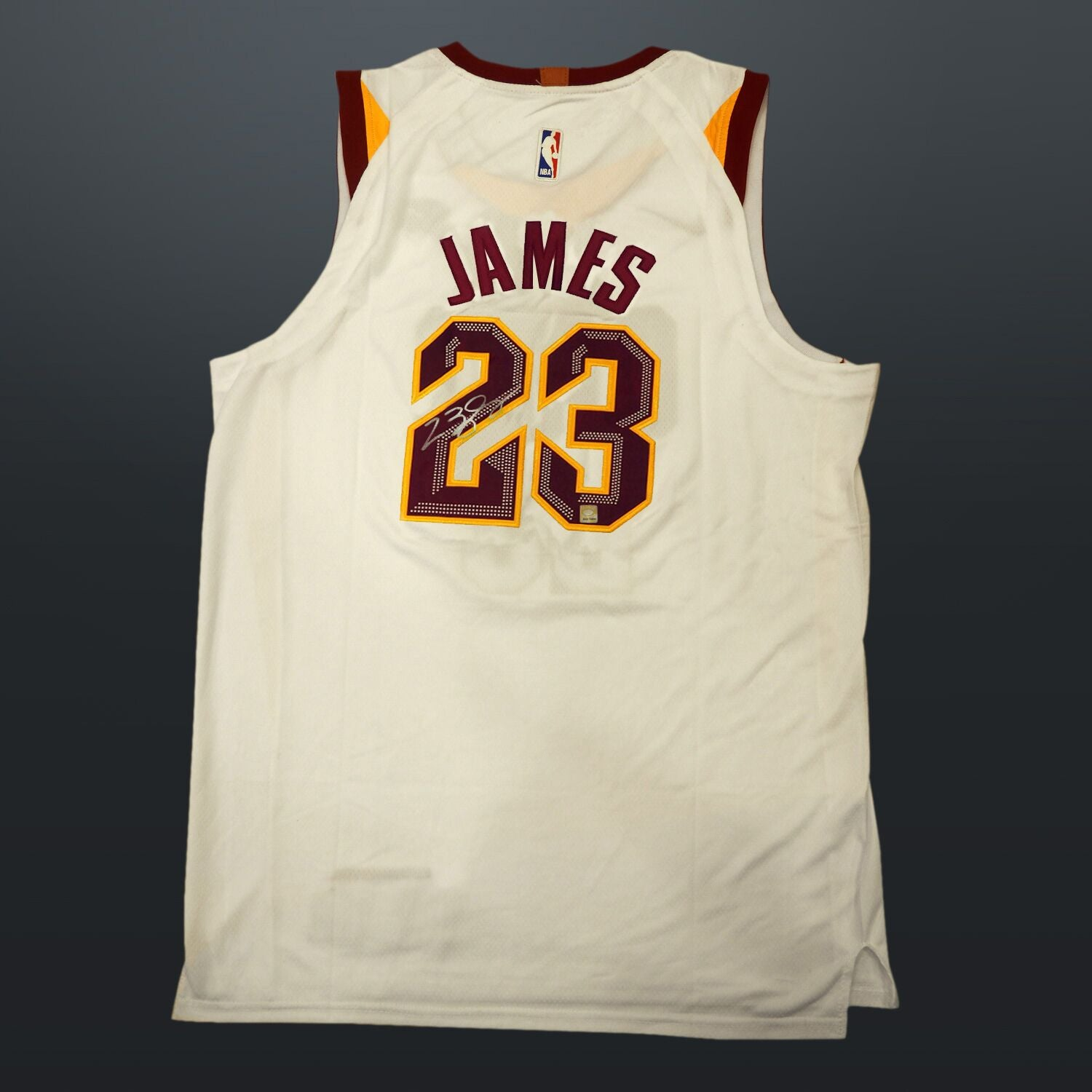 separation shoes 37e15 60f90 Lebron James- Cleveland Cavaliers Hand-Signed White Jersey