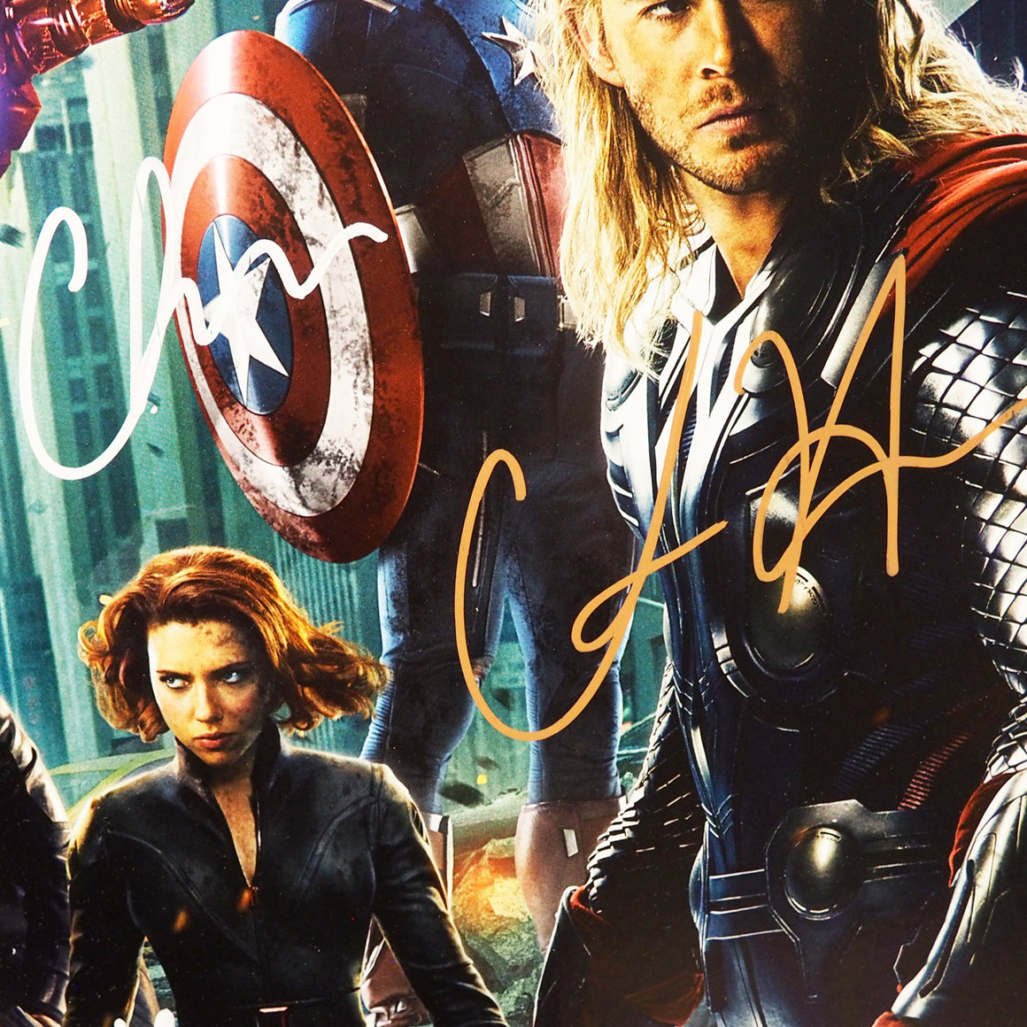 AVENGERS POSTER Hand Signed by 14 Cast Members RARE-T Exclusive Custom Frame