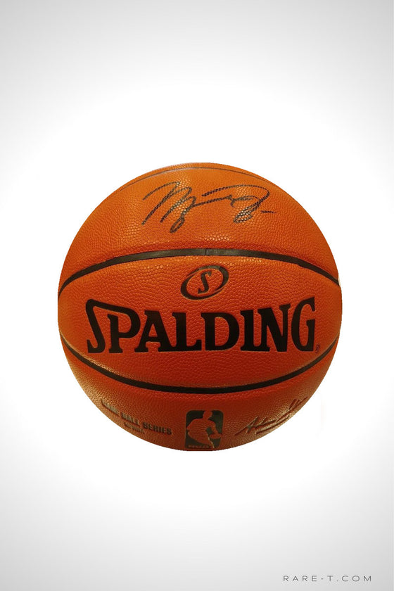 'BASKETBALL BLACK INK HANDSIGNED BY MICHAEL JORDAN'