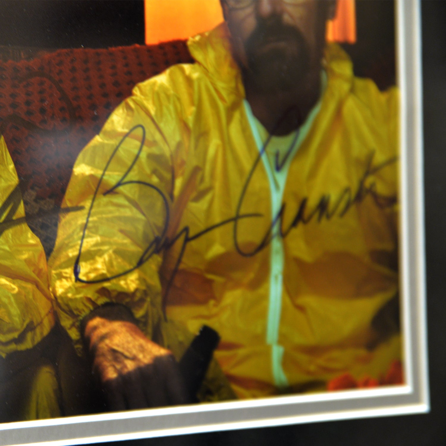 BREAKING BAD MASK Hand Signed by BRYAN CRANSTON & AARON PAUL RARE-T Ex