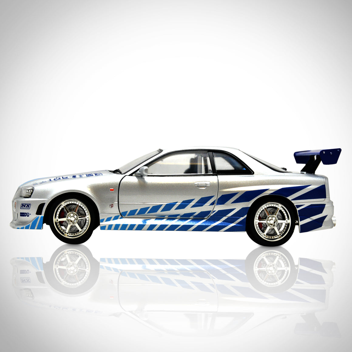 FAST & FURIOUS - BRIAN'S 1999 NISSAN SKYLINE Exclusive Elite Edition 1/18 Die-Cast Car Display Set