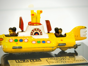 RARE-T Exclusive '1969 BEATLES YELLOW SUBMARINE' Museum Display