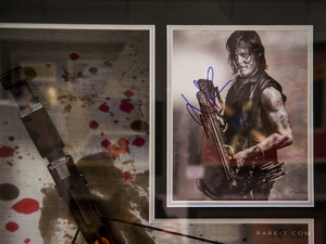 Walking Dead Daryl Dixon Crossbow prop Norman Reedus hand signed shadow box display frame signature close up
