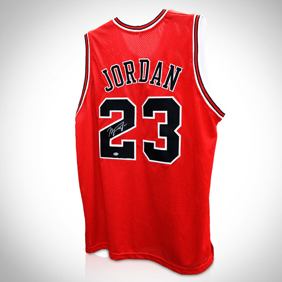 MICHAEL JORDAN - CHICAGO BULLS RED Handsigned Basketball Jersey