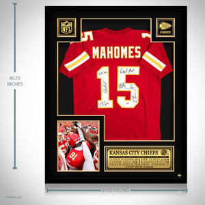 Kansas City Chiefs- Team Hand-Signed Red #15 Patrick Mahomes Jersey Custom Frame