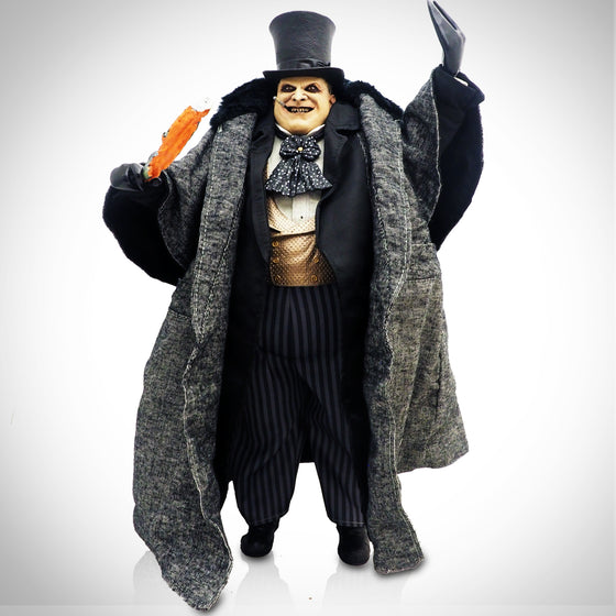 'BATMAN RETURNS - DANNY DEVITO PENGUIN' Statue