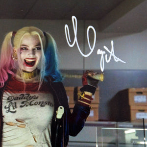 Suicide Squad Harley Quinn Deadshot standing Margot Robbit Will Smith hand signed photo gallery frame signature close up