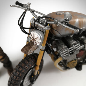 Walking Dead- Daryl Dixon Limited Edition Statue With Bike