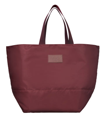Modern, lightweight and eco-friendly weekend bag. Ideal for everyday essentials, a weekend getaway or a trip to the gym. Recycled polyester. YKK zippers. Burgundy