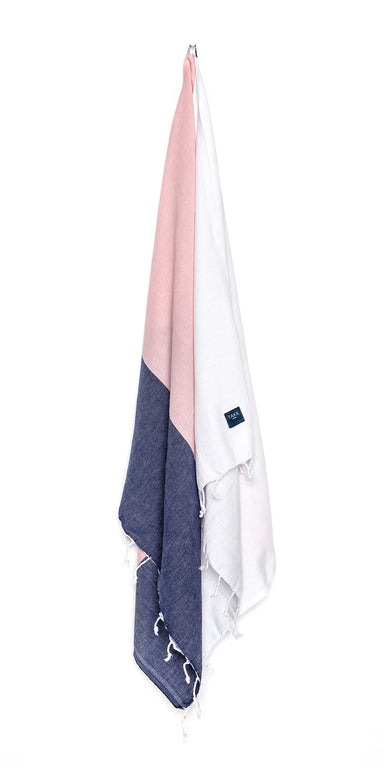 Luxurious hamam bath towel. Soft, absorbent, light weight, quick drying, aesthetically pleasing. Takes up little space. Ideal for bath, beach, travel, sports, yoga. Can also be used as a blanket or a scarf.  Hammam towel, OEKO-TEX®, eco-friendly certification. 100% quality cotton. Pink, white, navy
