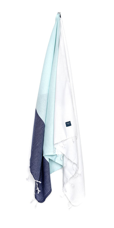Luxurious hamam bath towel. Soft, absorbent, light weight, quick drying, aesthetically pleasing. Takes up little space. Ideal for bath, beach, travel, sports, yoga. Can also be used as a blanket or a scarf. Popular as a baby blanket.  OEKO-TEX®, eco-friendly certification. 100% quality cotton. White, navy, mint hammam towel
