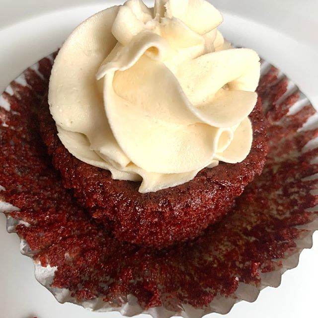 Delightfully Low-Carb Red Velvet Cupcakes for Valentine's Day