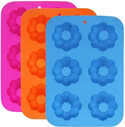 Colorful silicone baking molds
