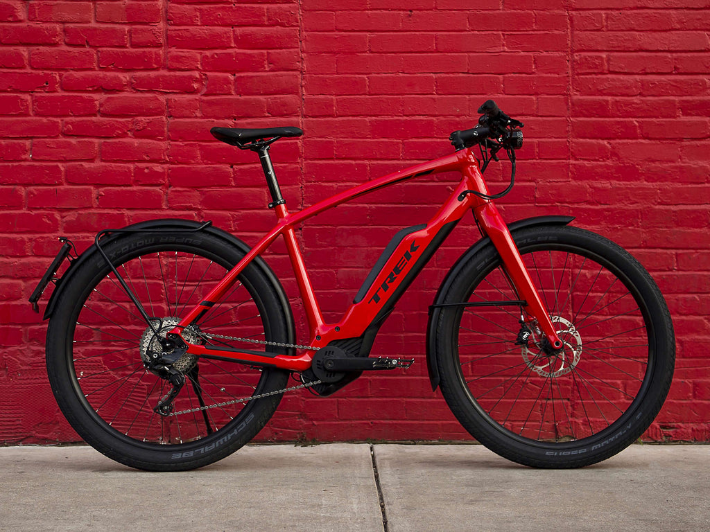 Comparing the A2B Entz the Trek Super Commuter +8s