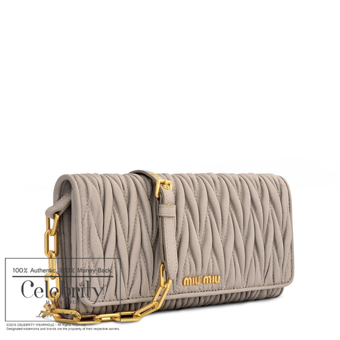 Miu Miu Matelasse chain shoulder wallet in Pomice