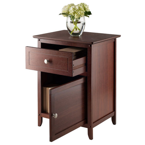 Winsome Wood 94215 Eugene Accent Table Walnut