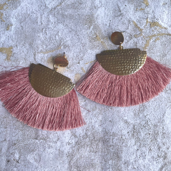 HAMMERED GOLD FRINGE FAN EARRINGS
