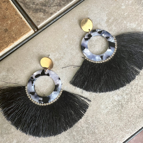 MARMOL ACRYLIC FRINGED EARRINGS