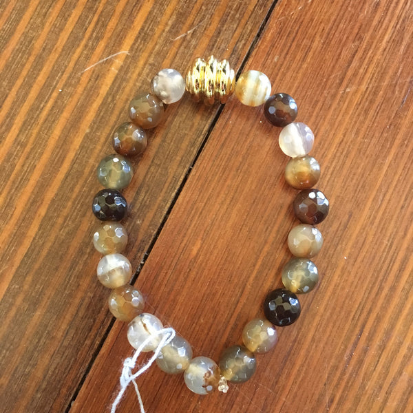 Brown agate bracelet with gold finding bead