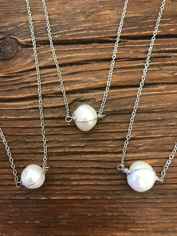 Single Freshwater Pearl Silver Necklace