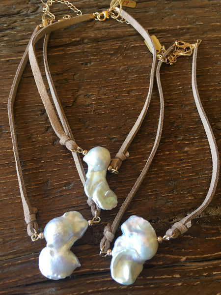 Baroque Pearl & Beige Suede Choker Necklace