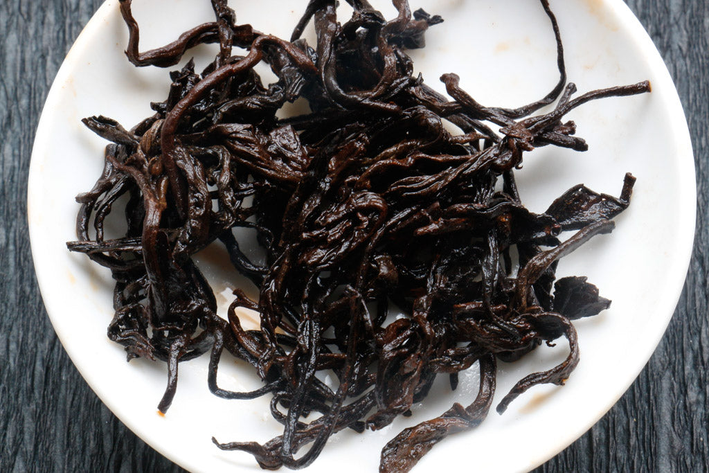 ripe pu-erh tea leaves