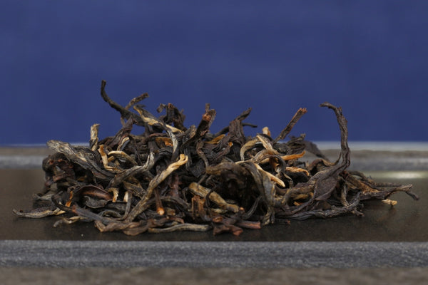 yunnan black tea dry leaves