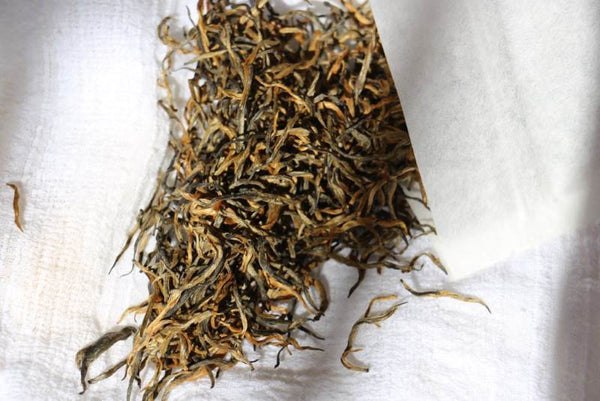 yunnan single bud black tea