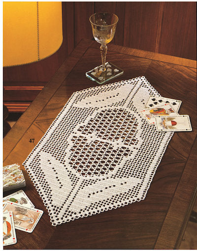 Buku Crochet Luxury lace crochet tablecloth and lace.