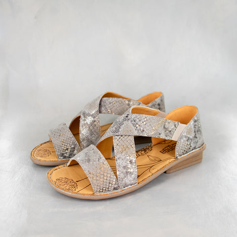 Avele : Ladies Leather Tslops Sandal in Bark Domus