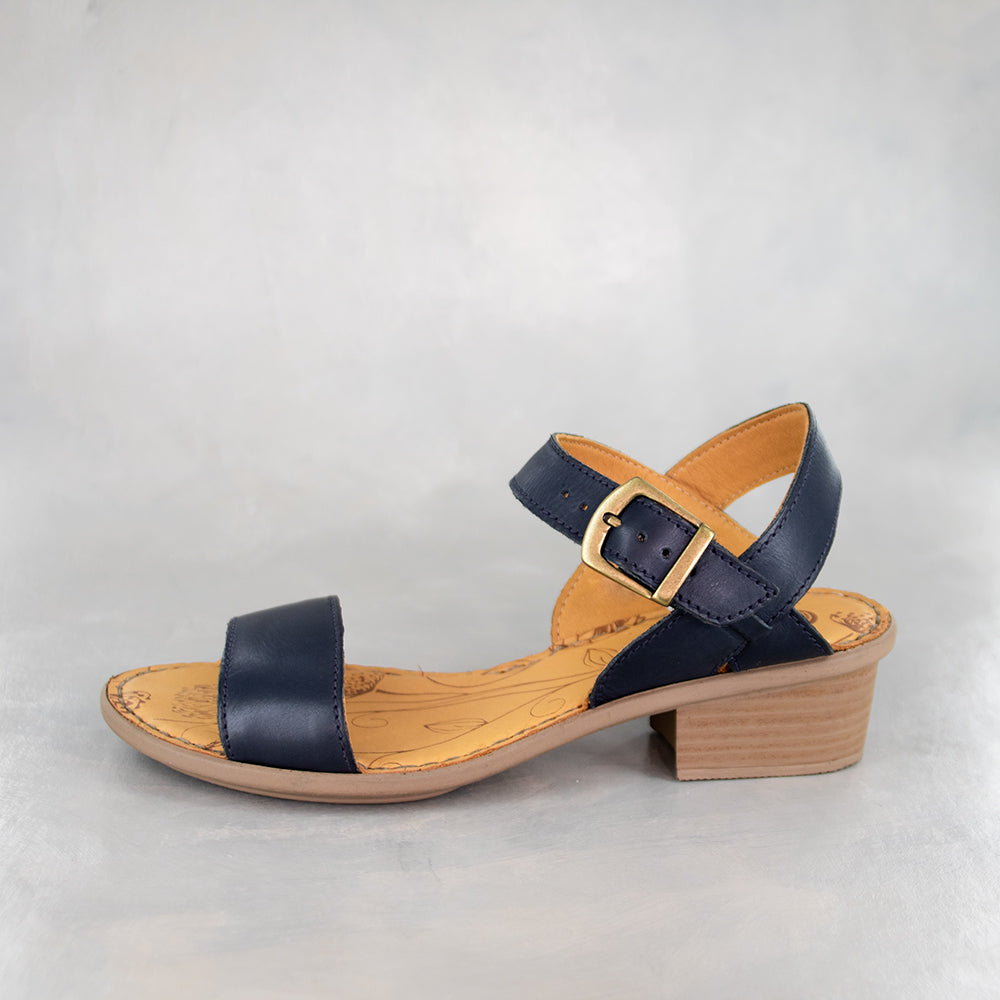Kangcono : Ladies Leather Sandal in Navy Relaxa