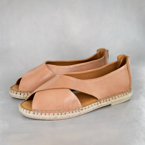 Ganandela : Ladies Leather Espadrille Sandal in Black Delta