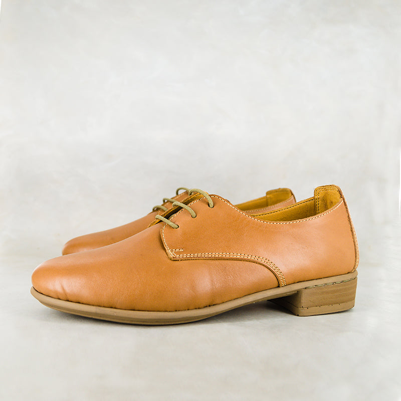Donya : Ladies Leather Shoe in Hazel Relaxa